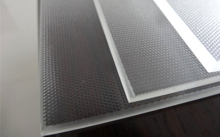 Tempered low Iron extra clear patterned solar panel glass