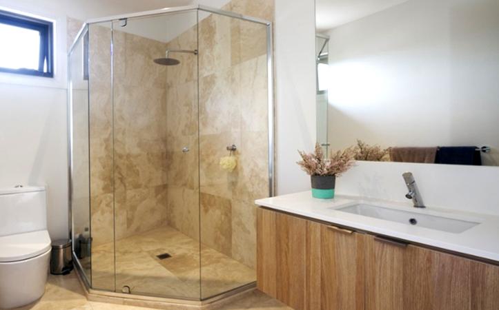 Transparent frameless edge grinding tempered glass door for bathroom