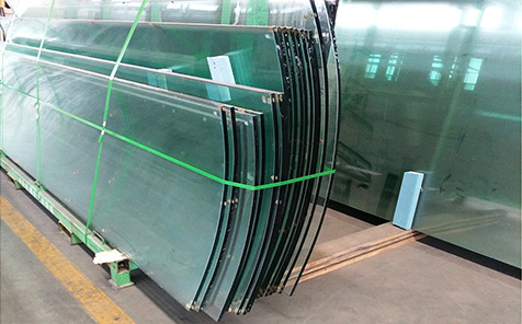 Frameless tempered curved glass for guardrail