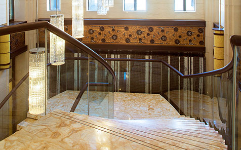 Frameless tempered curved glass for railings