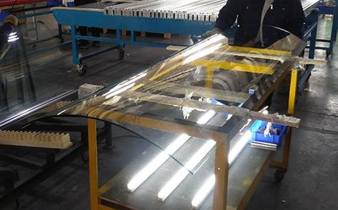 Frameless tempered curved glass