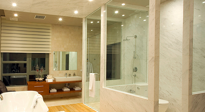 What types of bathroom glass are there? How to choose your own bathroom glass?